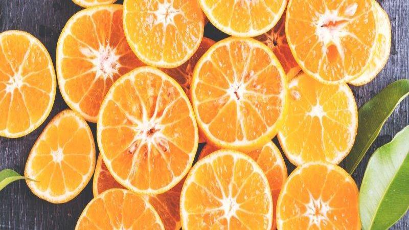 علائم هشدار دهنده کمبود ویتامین C و چگونگی رفع آن؛ چه کسانی در معرض خطر کمبود ویتامین C هستند؟