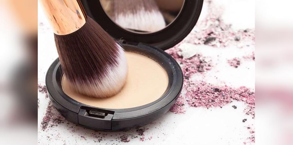 چگونه با چربی پوست بعد از آرایش مقابله کنیم
