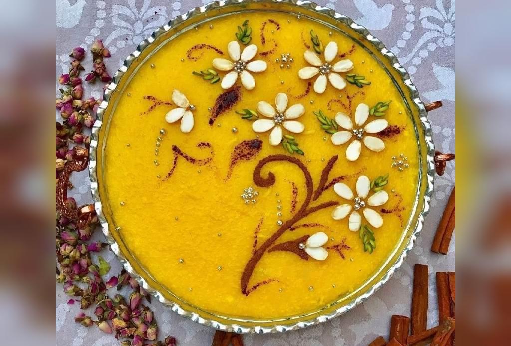 تزیین شله زرد نذری به شکل گل