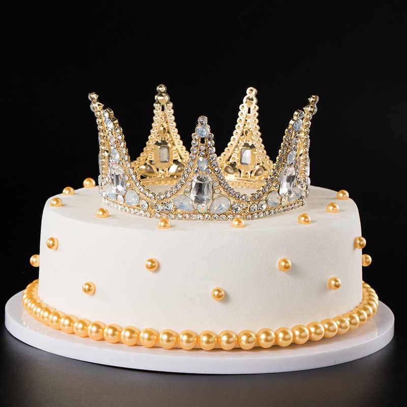 مدل کیک تولد مدل تاج طلایی شیک