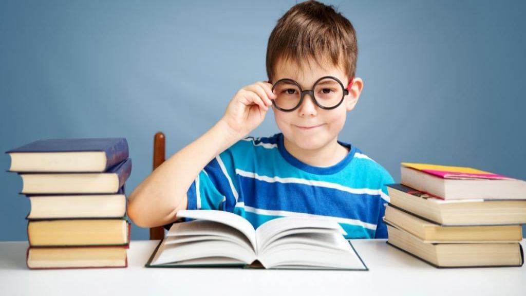 معرفی 12 کتاب داستانی برای کودکان 10 ساله آموزنده و عالی