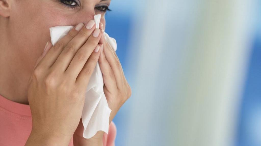5 داروی خانگی موثر برای درمان خشکی بینی