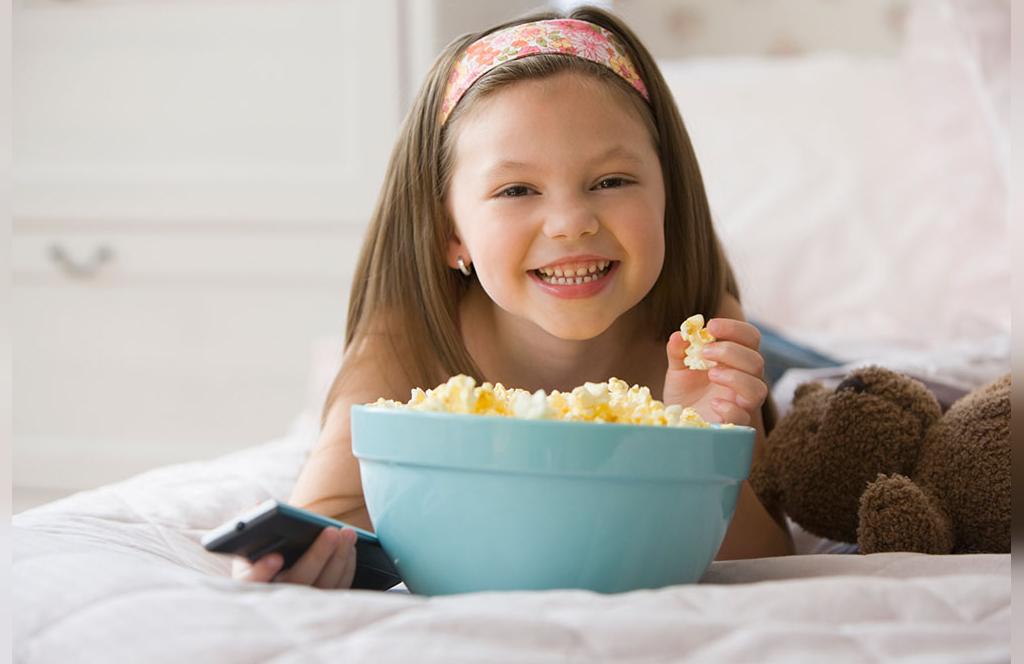 دانستنی های مهم قبل از دادن ذرت بو داده به کودک