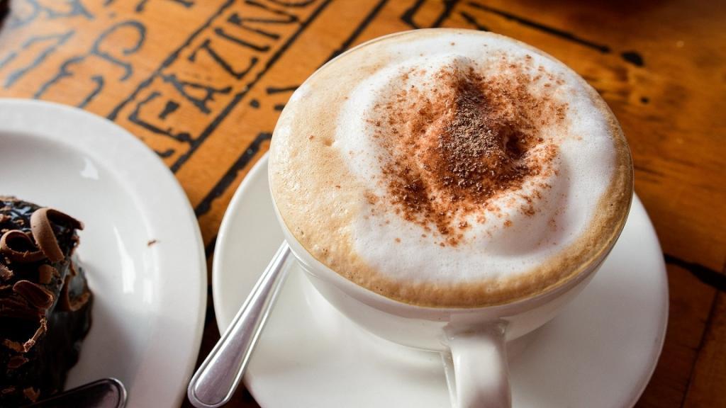 طرز تهیه شیر قهوه ترک خوشمزه خانگی با شیر جوش سبک کافی شاپی