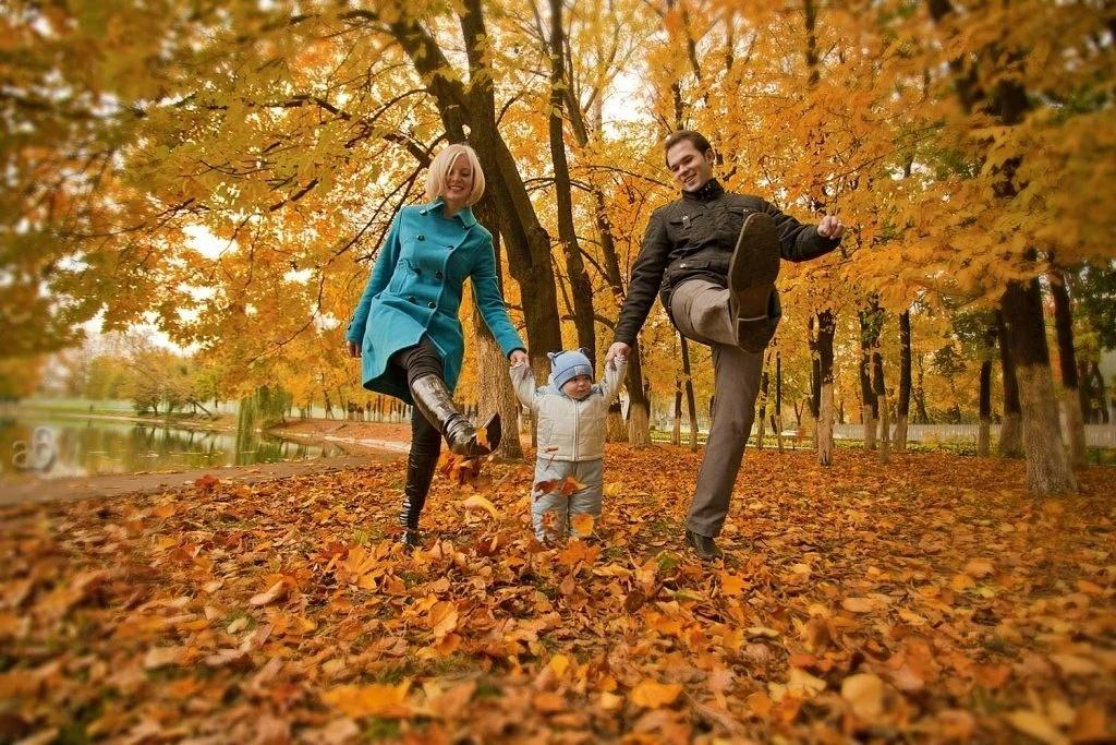 ژست عکس پاییزی خانوادگی