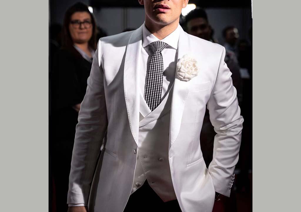 کت سفید دامادی