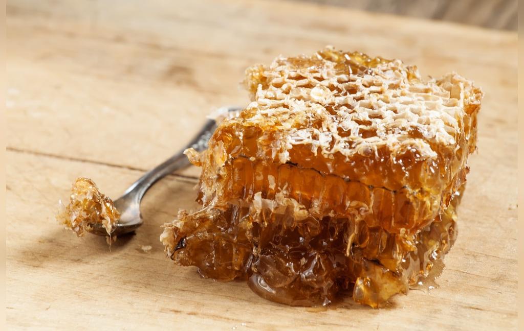 موم عسل چیست