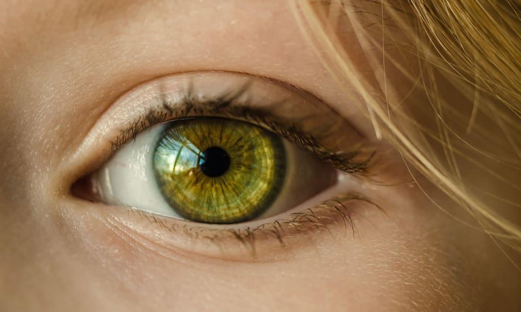 علل زردی چشم بزرگسالان