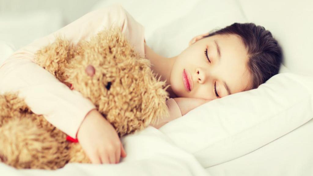 شب ادراری در کودکان؛ درمان های خانگی و پزشکی + نحوه پیشگیری