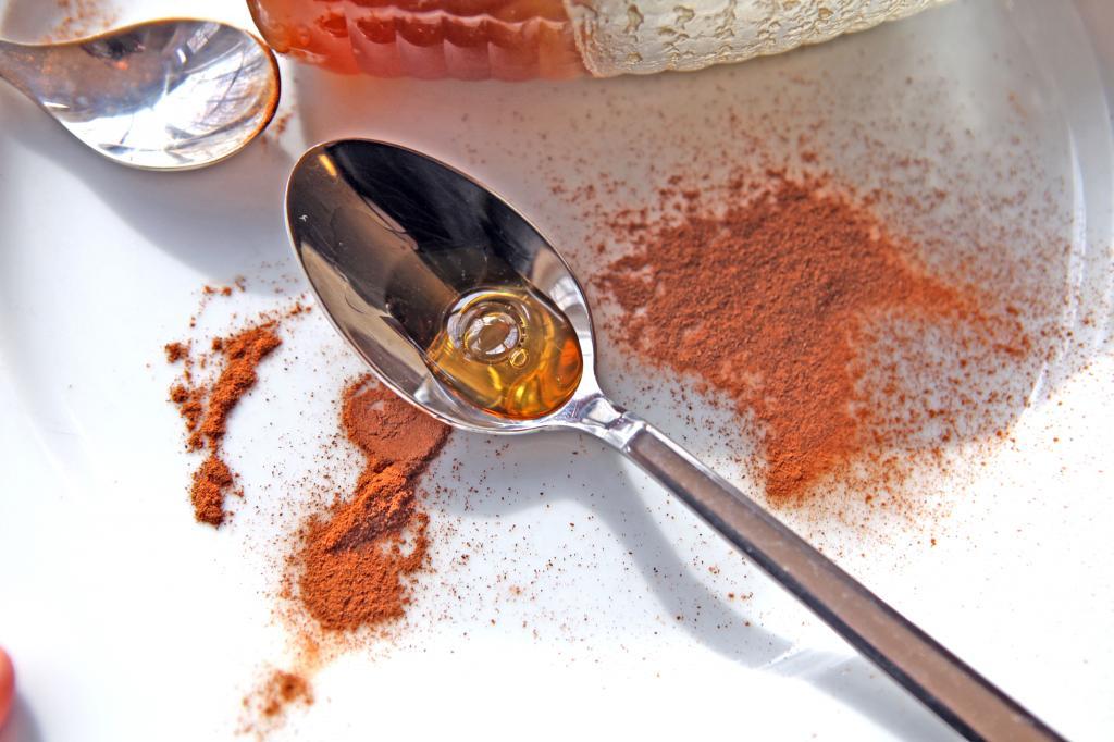 فواید عسل و دارچین برای پوست چیست