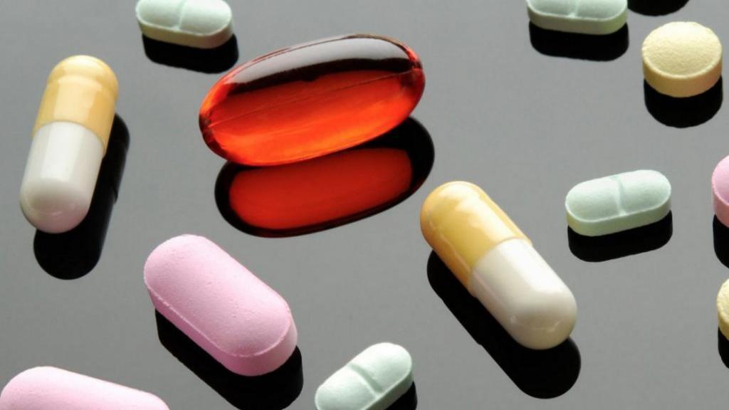 معرفی 12 قرص افزایش قد + تاثیر و عوارض داروی افزایش قد