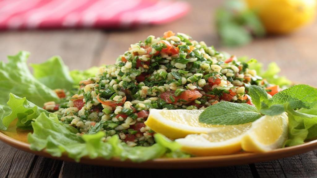 طرز تهیه سالاد تبوله عربی لبنانی مخصوص و خوشمزه با بلغور