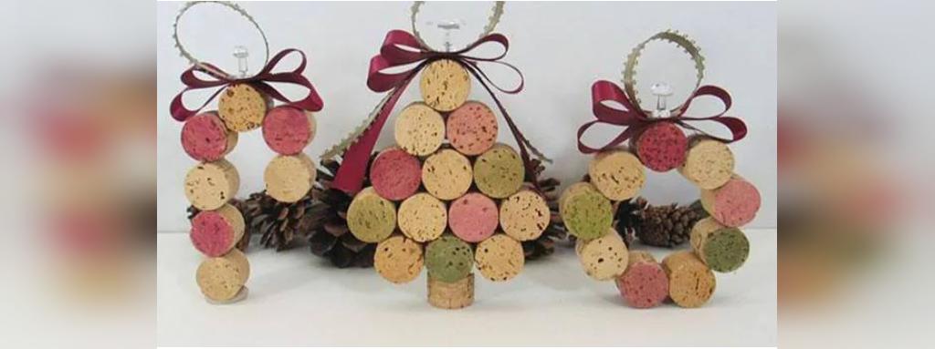 مدل تزیین درخت کریسمس با چوب پنبه های بطری