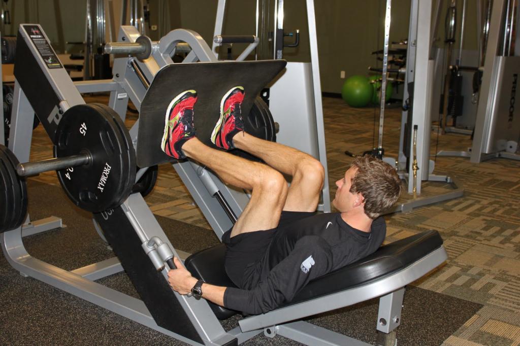 چاق شدن پاها با حرکت پرس پا (Leg presses)