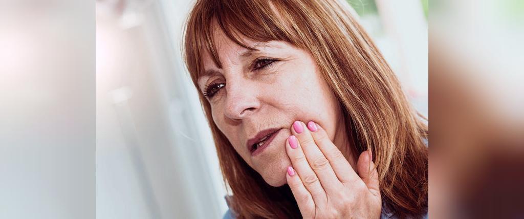 درد بالا تنه از علائم حمله قلبی در زنان