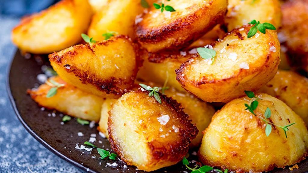 طرز تهیه سیب زمینی تنوری ترد و خوشمزه رستورانی در فر