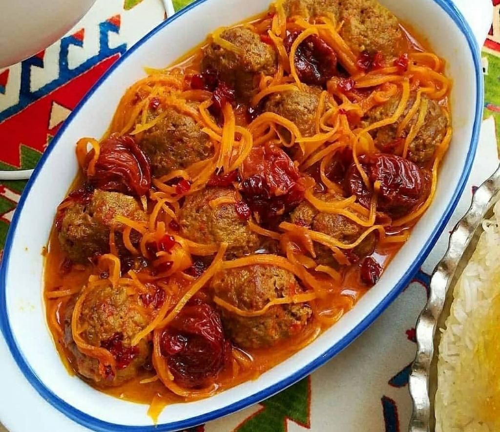 طرز تهیه خورش هویج با گوشت و آلو خورشتی
