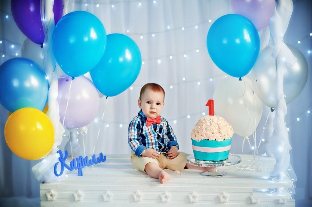 ژست عکس تولد پسرانه لاکچری و خاص