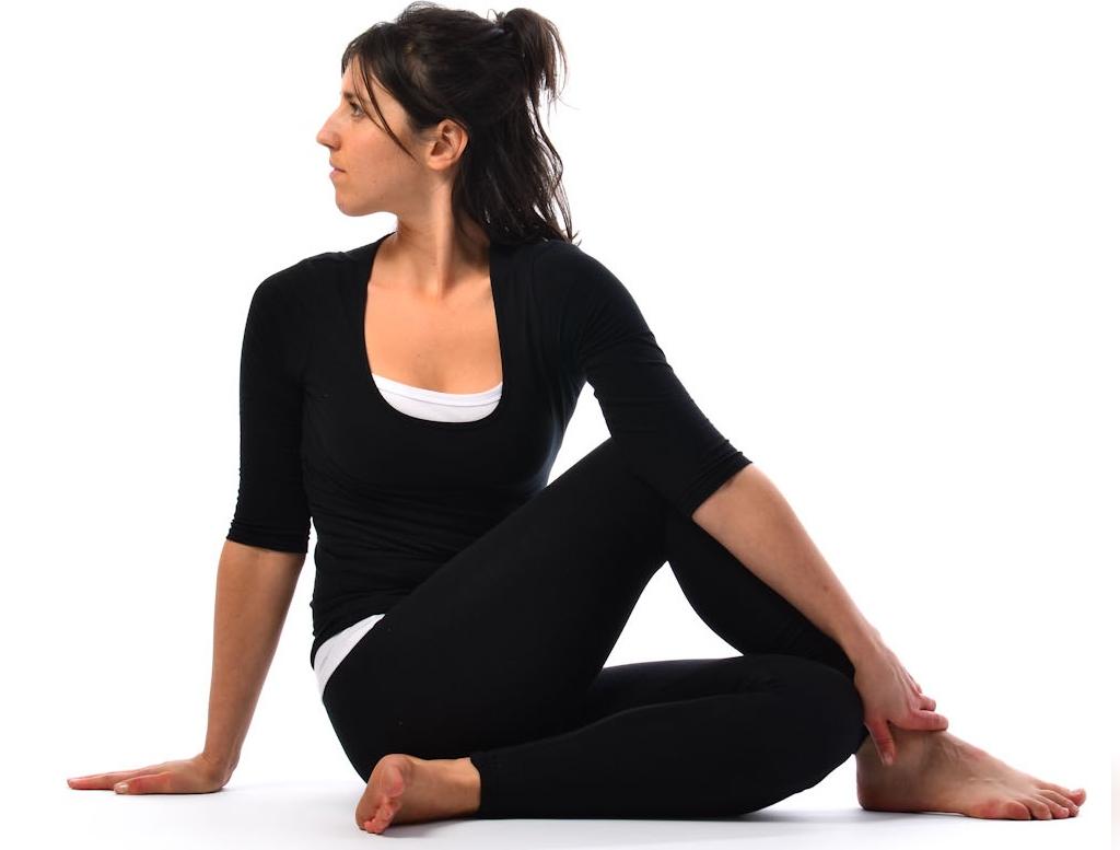 یوگا چگونه به درمان یبوست کمک می کند؟