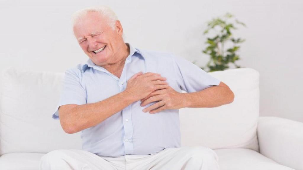 علت های سوزش قلب و تیر کشیدن سمت چپ سینه چیست