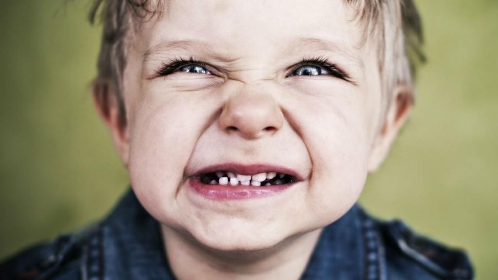 دندان قروچه یا براکسیسم چیست: علل، اثرات و راه تشخیص و درمان و پیشگیری از آن