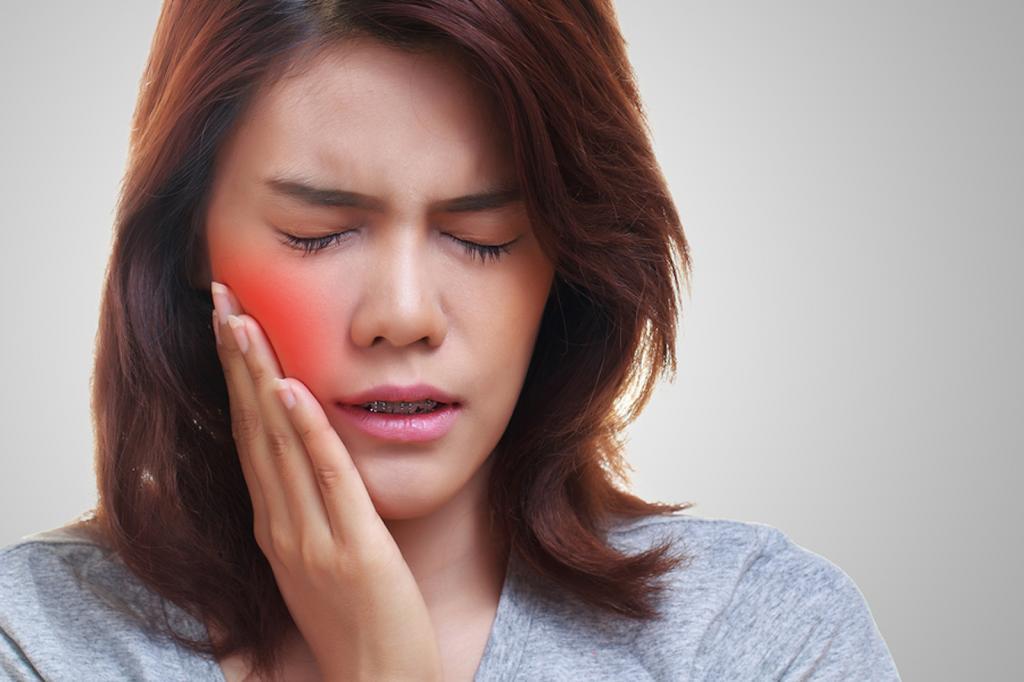 مزایای عرق زنیان برای گوش درد و دندان درد