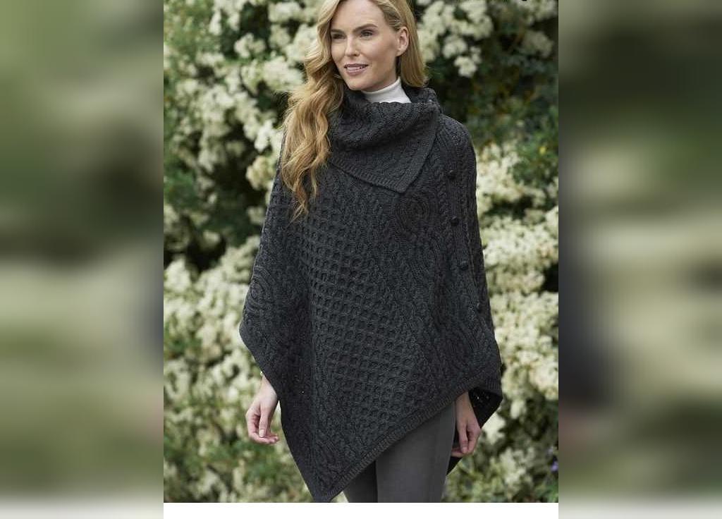 شنل بافتنی زنانه ساده و شیک