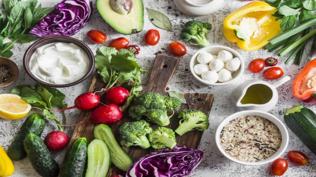 غذاهای ضد التهاب؛ 18 مورد از بهترین غذاها برای کاهش و درمان التهاب بدن