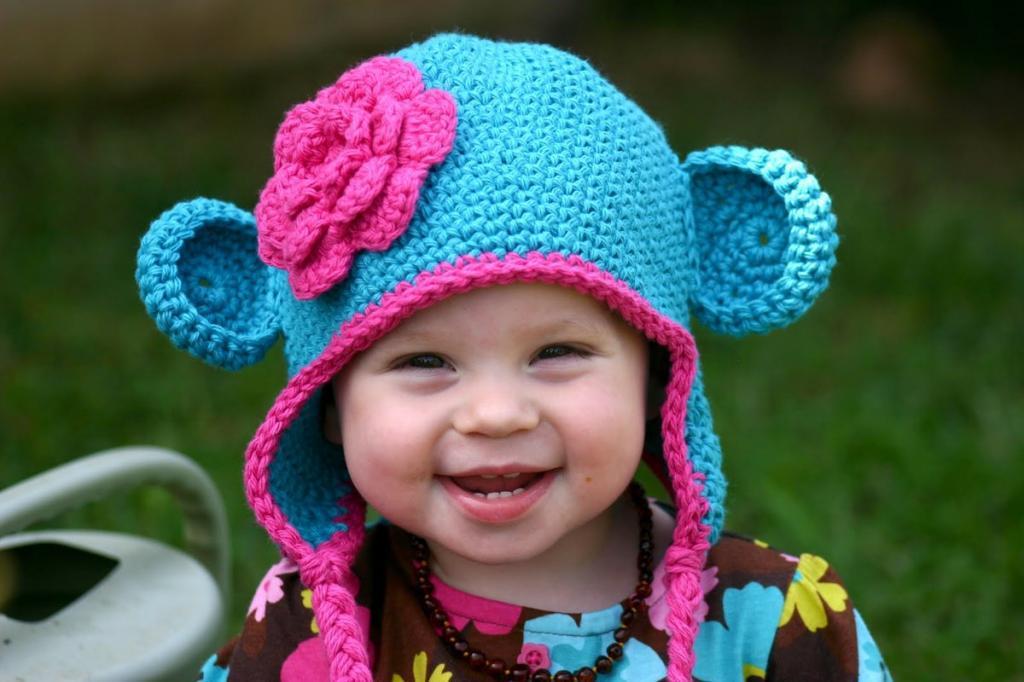 مدل کلاه بافتنی گوش دار نوزادی طرح خرس مهربون
