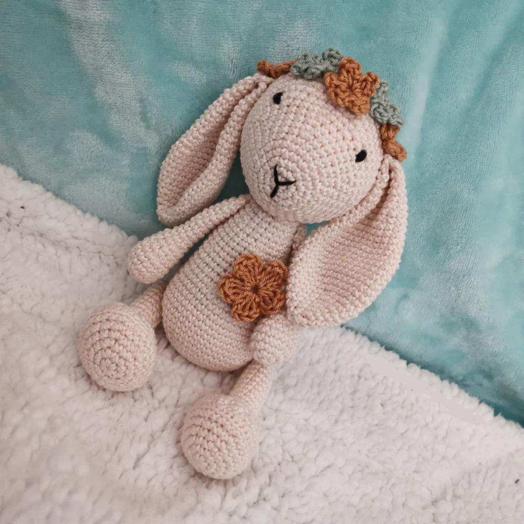 مدل عروسک بافتنی خرگوش گوش دراز