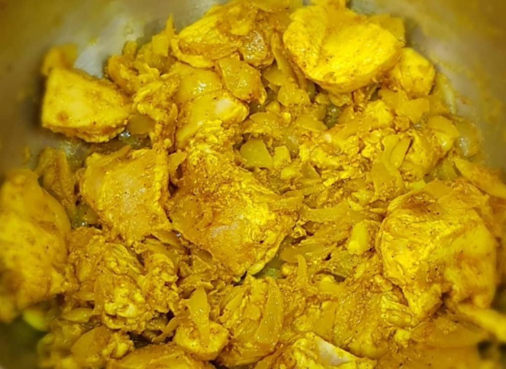 طرز تهیه خورش کاری هندی با مرغ
