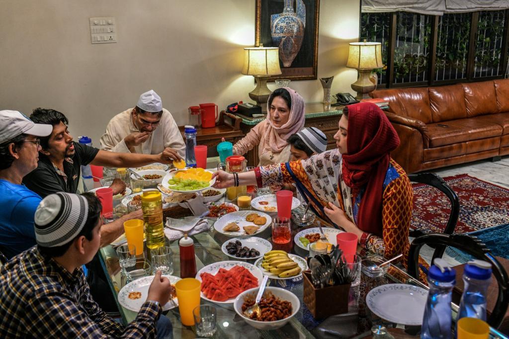 عکس های عاشقانه خانوادگی شب یلدا