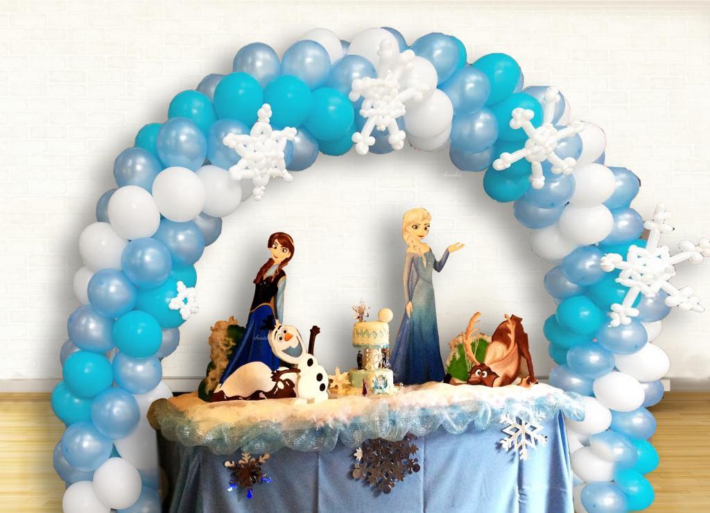 کیک تولد السا و جک