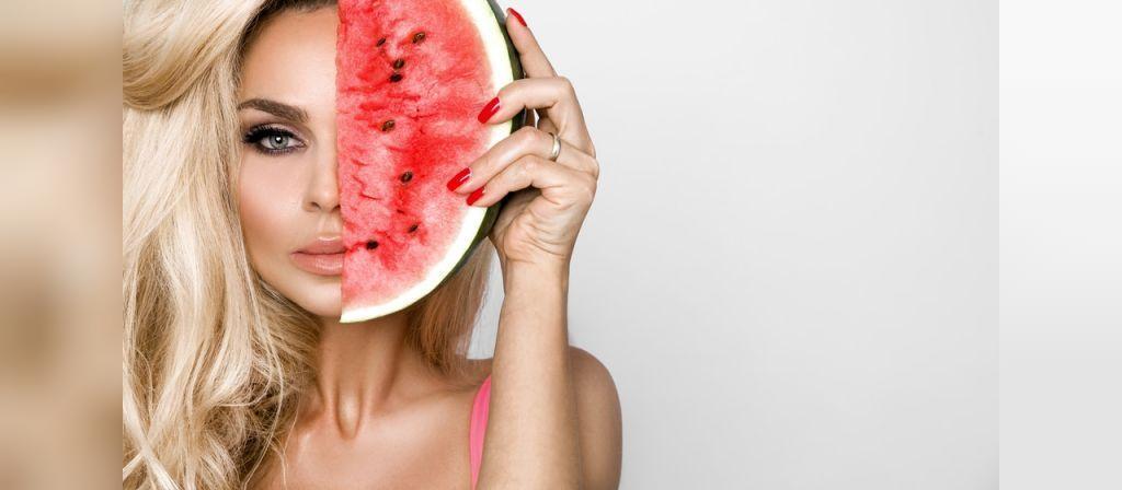 از مزایای هندوانه : مناسب بودن برای پوست و مو