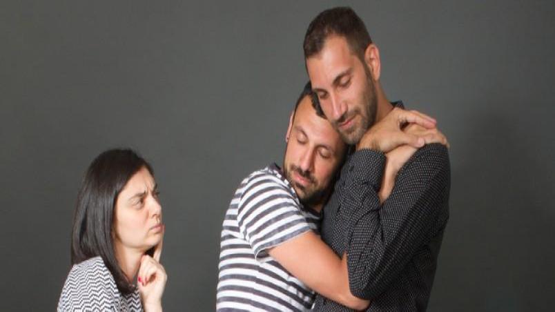 آیا شوهرم همجنس گراست؟ 6 علامت هشدار دهنده مردان همجنس باز