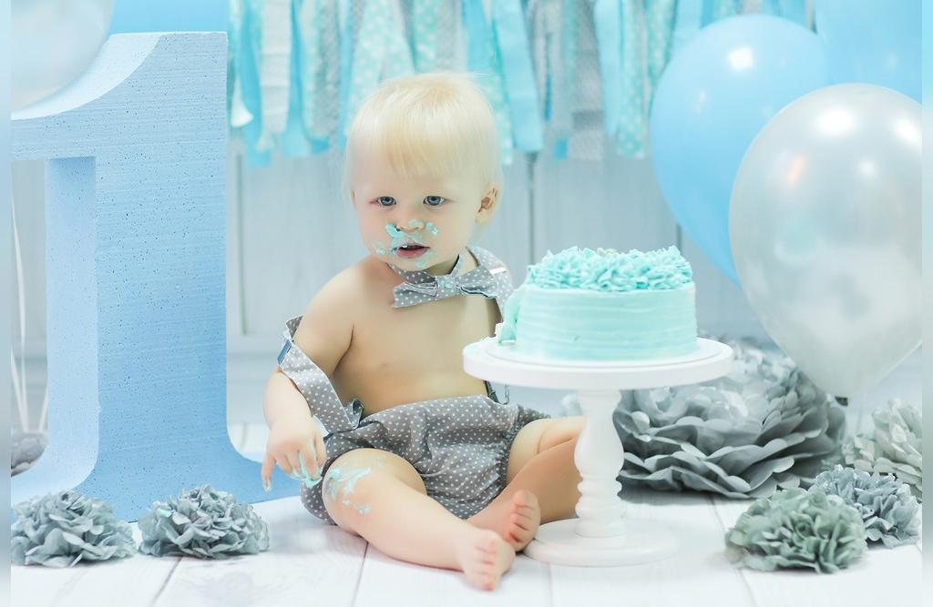 ژست عکس تولد نوزاد پسر