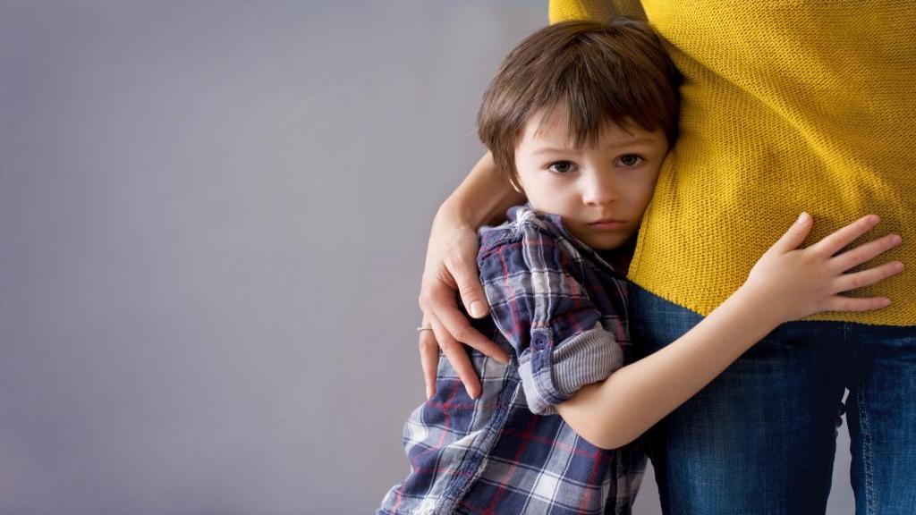 اختلال اضطراب جدایی چیست: علائم، علل، راه تشخیص و درمان آن