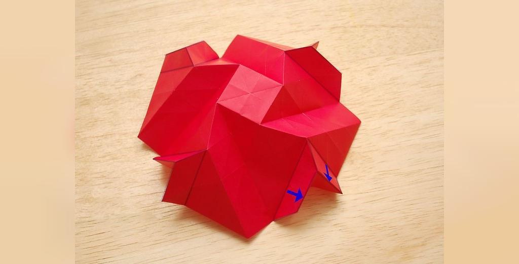ساخت گلبرگ های گل رز کاغذی