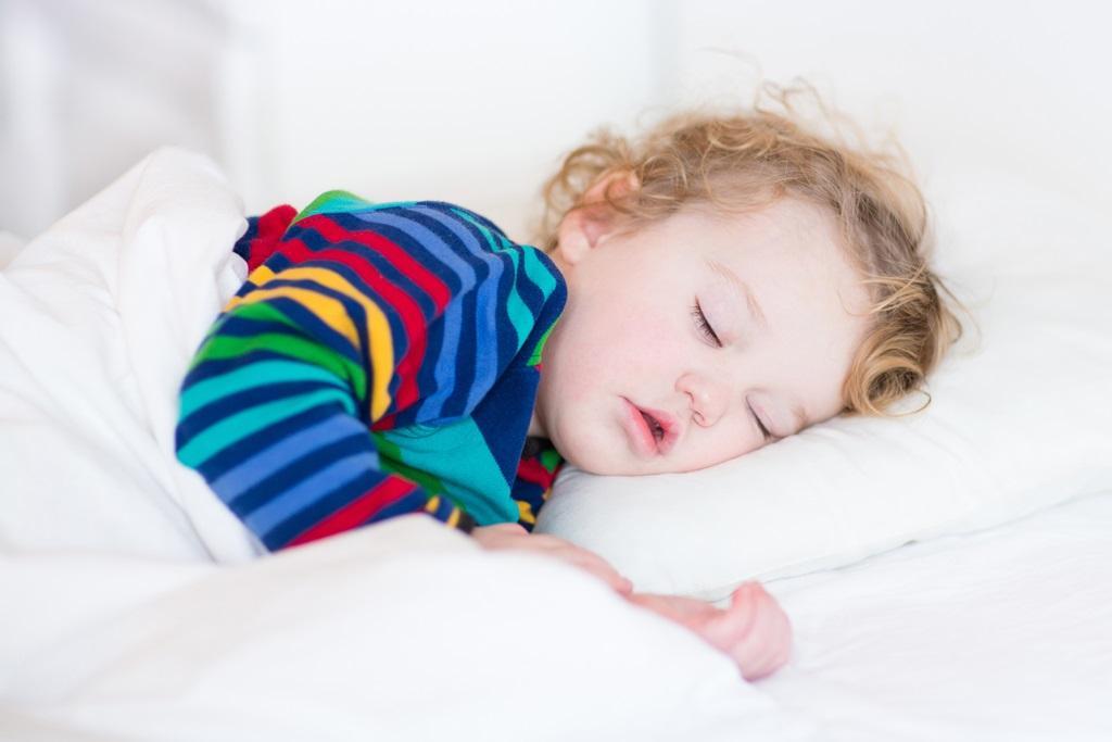 دلایل خروپف کودکان چیست