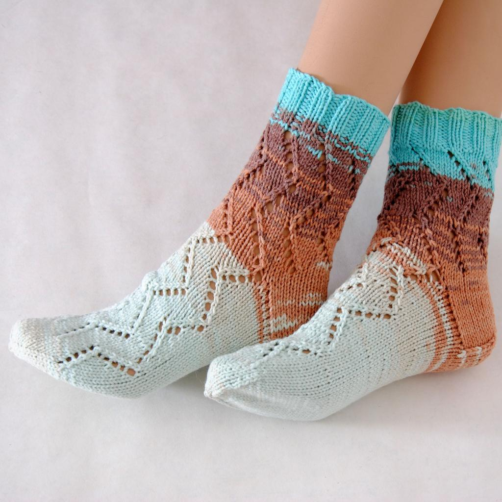 انواع مدل های جوراب بافتنی