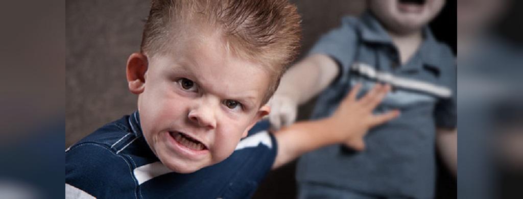 تاثیرات منفی تلویزیون در کودکان