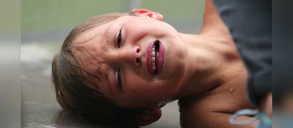 علائم و نشانه های فتق در نوزادان و کودکان