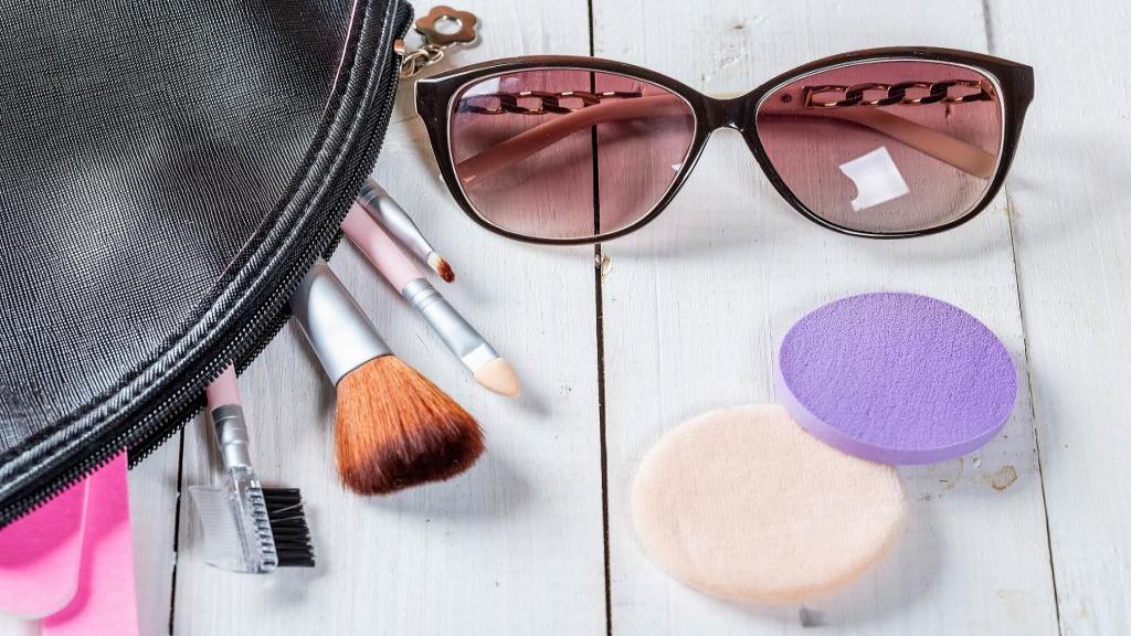 چگونه اسفنج و پدهای آرایشی را تمیز کنیم؟