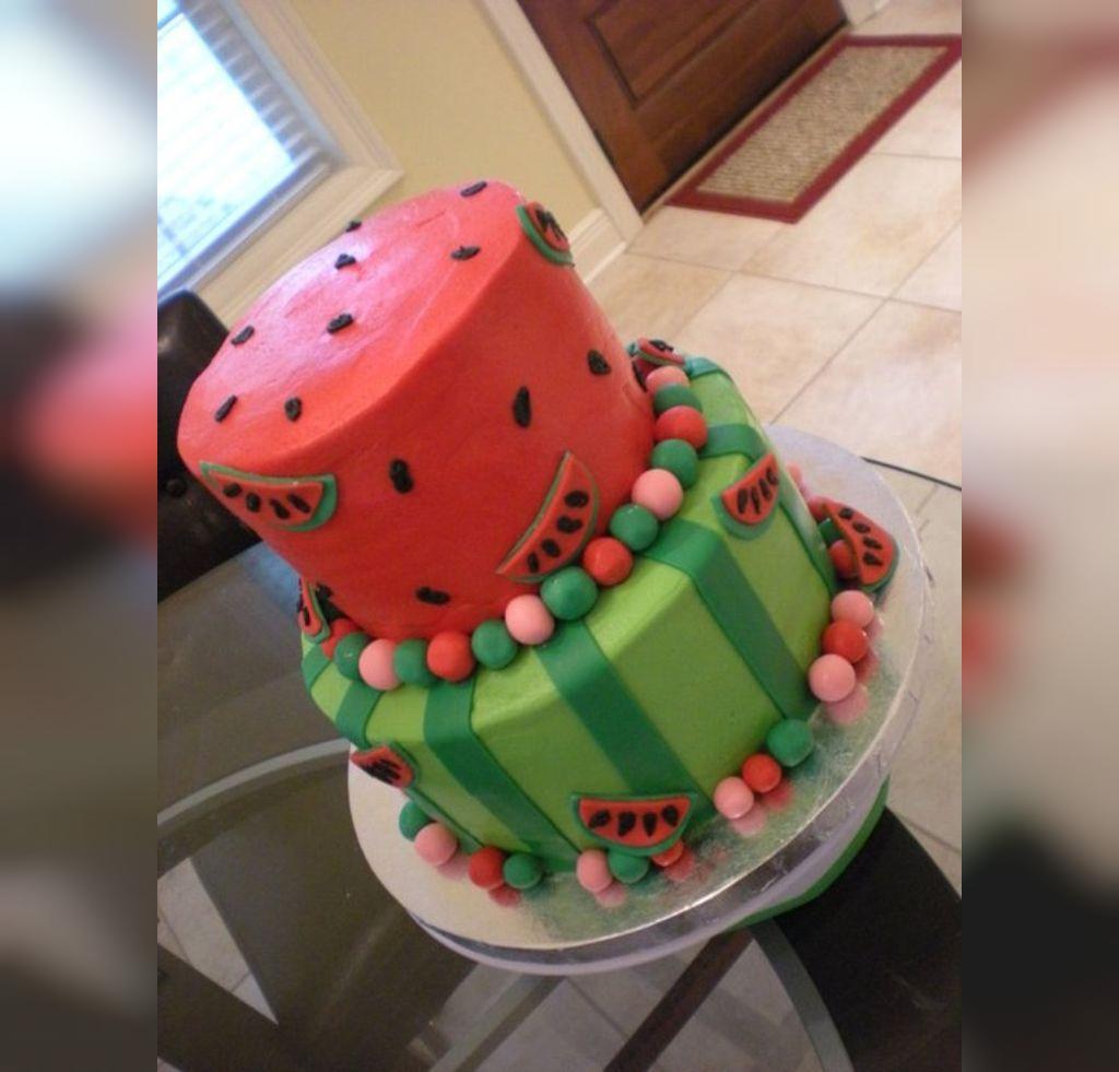 ایده شب یلدایی تزیین کیک