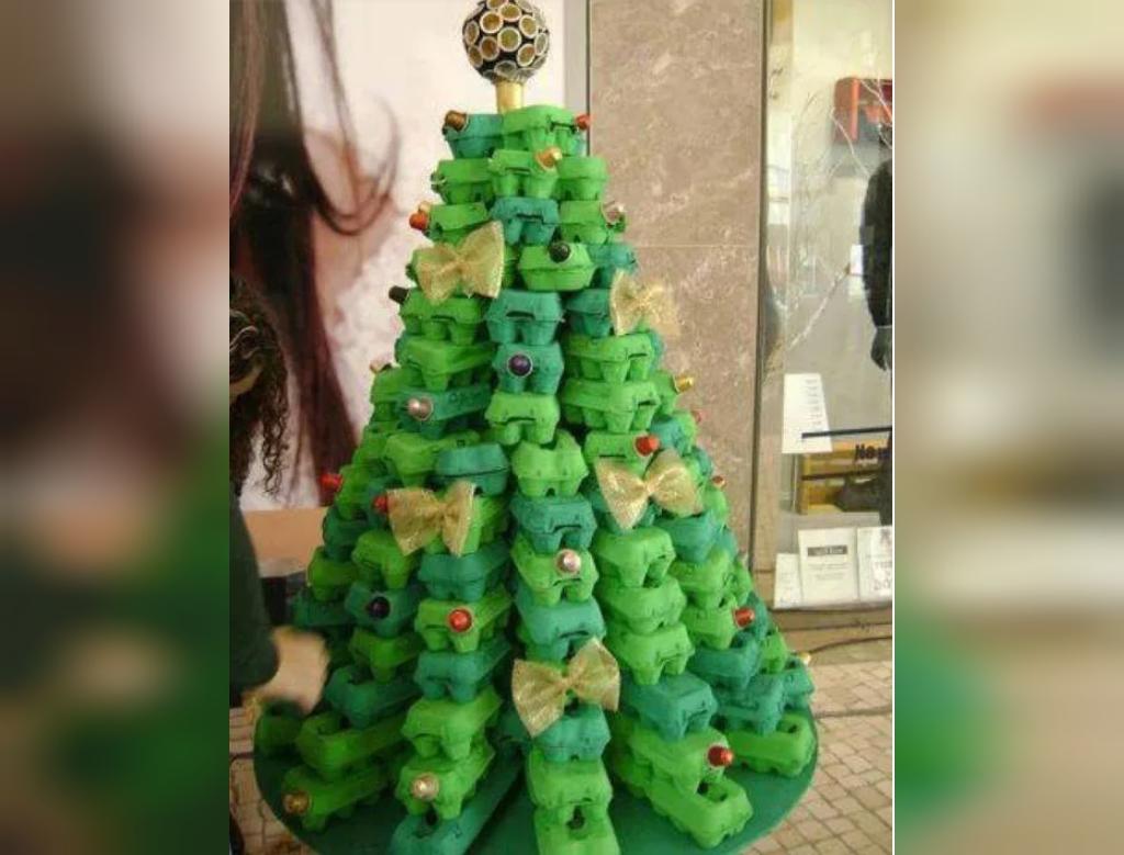 تزیین درخت کریسمس با ظرف تخم مرغ