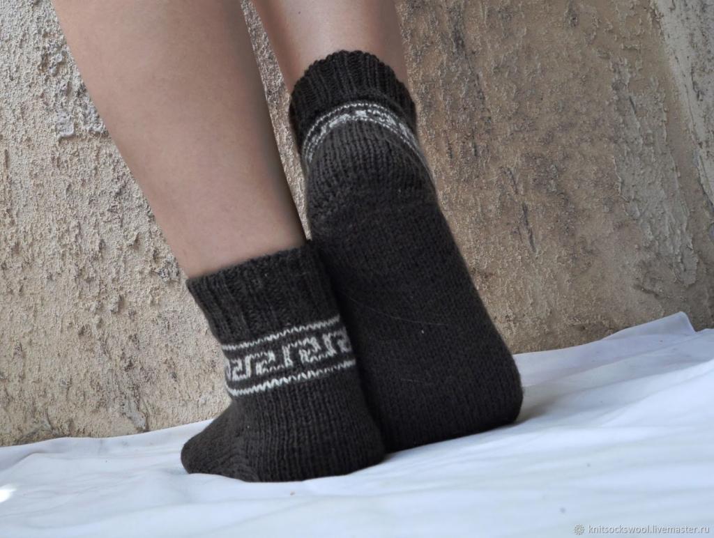 جوراب بافتنی پسرانه طرح ساده