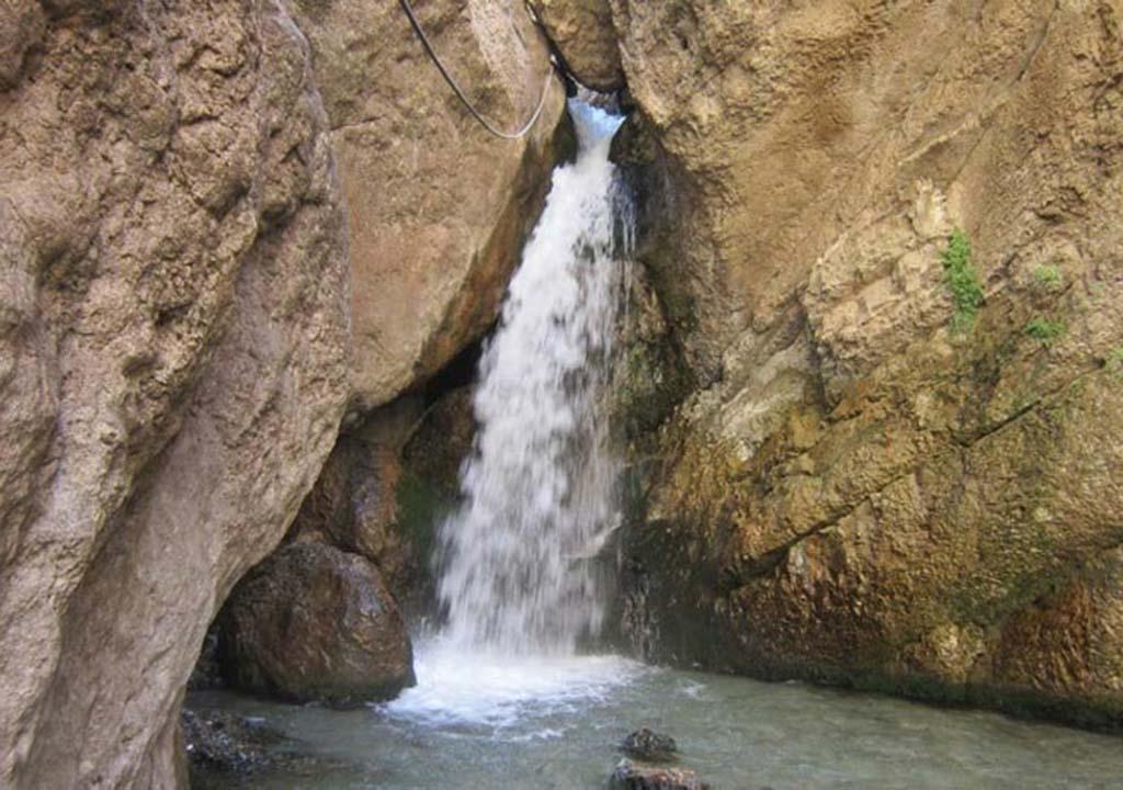 آبشار تنگه واشی