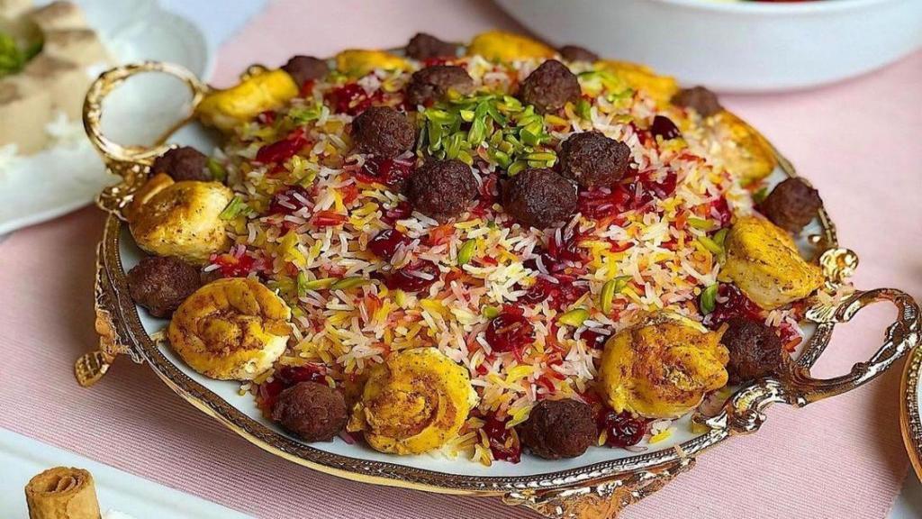 طرز تهیه آلبالو پلو ساده و خوشمزه و مجلسی با گوشت مرغ