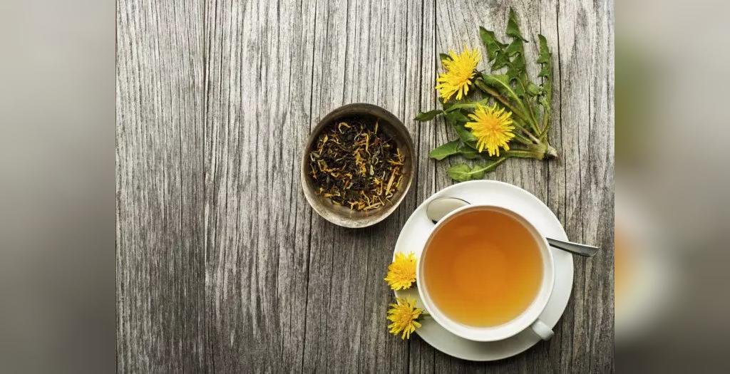 طرز تهیه چای با برگ های قاصدک