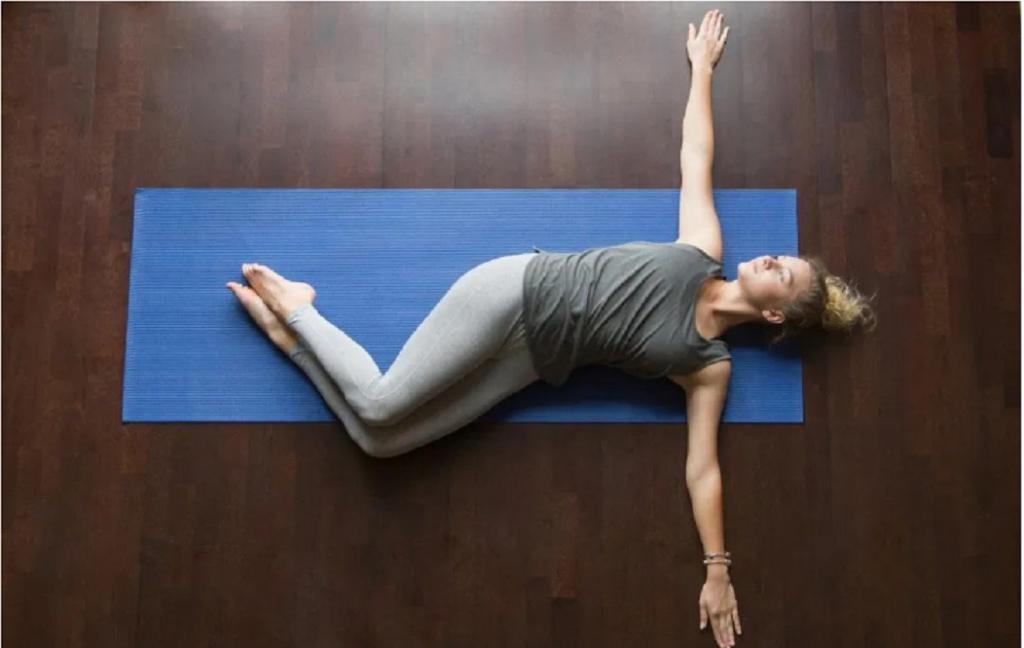 تقویت کمر و رهایی از کمر درد با کشش های دورانی کمر